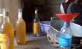 Video điều tra về công nghệ làm mật ong giả đáng sợ ở Hà Nội!