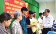 Chủ tịch Trần Thanh Mẫn tặng quà Tết các hộ nghèo, gia đình chính sách tại TP. Cần Thơ