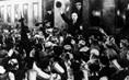 Cuộc trở về Nga của Lenin năm 1917 để lãnh đạo Cách mạng Tháng Mười