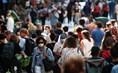 Nhiều nước ban bố tình trạng khẩn cấp và tái áp đặt lệnh giới nghiêm do dịch COVID-19
