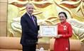 Trao tặng kỷ niệm chương hữu nghị cho Đại sứ Algeria tại Việt Nam