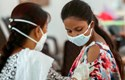 Các nhà khoa học bác bỏ tin đồn vaccine COVID-19 gây vô sinh