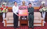 Chủ tịch Trần Thanh Mẫn trao 200 triệu đồng hỗ trợ nhân dân tỉnh Lào Cai