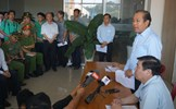 Phó Thủ tướng Trương Hòa Bình thắp hương cho nạn nhân vụ cháy chung cư Carina