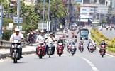 Nắng nóng như chảo lửa, người đi xe máy cần đặc biệt chú ý điều này