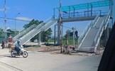Cầu bộ hành vượt đường sắt tại Thanh Hóa: Bài học cho các công trình bạc tỷ gây lãng phí, phản cảm