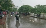 Hà Nội mưa rải rác, đề phòng tố, lốc