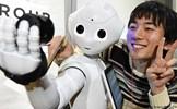 Robot thay thế hay hỗ trợ con người?
