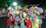 Màn múa lửa trong đêm 30/6 khiến khán giả Lễ hội carnival đường phố - DIFF 2019 vô cùng thích thú