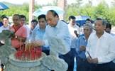 Thủ tướng dâng hương tưởng niệm các anh hùng liệt sĩ