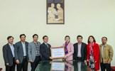 Phó Chủ tịch Trương Thị Ngọc Ánh tiếp nhận ủng hộ từ Đảng bộ Ngoài nước