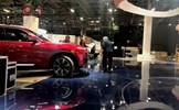 Xe VinFast được di chuyển từ Paris tới Motor Show