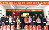 Mặt trận Trung ương tặng quà Tết cho người nghèo tại tỉnh Bắc Kạn