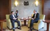 Phó Chủ tịch - Tổng Thư ký Hầu A Lềnh hội kiến Quốc vụ khanh Bộ Ngoại giao Singapore