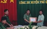 Công an huyện Phú Quốc khen thưởng người dân tham gia truy bắt tội phạm