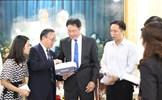 Đoàn đại biểu Chính hiệp khu tự trị Tây Tạng làm việc tại TP. Hồ Chí Minh