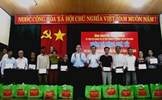 Bí thư Thành ủy TP Hồ Chí Minh tặng quà Tết cho người khó khăn ở Quảng Nam