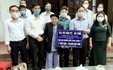Thái Bình: Cụ già, em nhỏ cùng ủng hộ phòng chống dịch