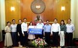 Chủ tịch Trần Thanh Mẫn tiếp nhận ủng hộ cho công tác phòng, chống dịch COVID-19