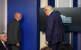 Nổ súng bên ngoài Nhà trắng, Tổng thống được hộ tống rời phòng họp báo
