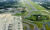 Lão nông sống giữa sân bay lớn thứ hai Nhật Bản