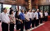 Đoàn công dân, nghệ nhân ưu tú Thủ đô dâng hương tưởng niệm Chủ tịch Hồ Chí Minh