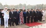 Đoàn đại biểu Đại hội Thi đua yêu nước toàn quốc lần thứ X viếng Chủ tịch Hồ Chí Minh