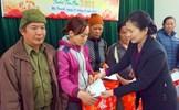 Phó Chủ tịch Trương Thị Ngọc Ánh trao quà Tết tại Bắc Kạn