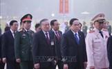 Đại biểu dự Đại hội XIII của Đảng vào Lăng viếng Chủ tịch Hồ Chí Minh