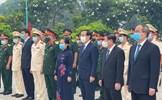 Đoàn đại biểu TP Hồ Chí Minh viếng Nghĩa trang Liệt sĩ dịp 30-4