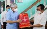 Chủ tịch Đỗ Văn Chiến tặng quà người có công, gia đình chính sách tỉnh Thái Bình