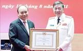 Chủ tịch nước trao Huy hiệu Đảng cho các đồng chí lãnh đạo Bộ Công an