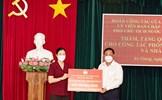 Phó Chủ tịch Trương Thị Ngọc Ánh trao phân bổ hỗ trợ tỉnh An Giang phòng, chống dịch