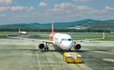 Khơi thông vận tải hàng không và đường bộ