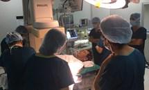 Lần đầu tiên thay van tim qua động mạch cảnh chung trái thành công tại Việt Nam