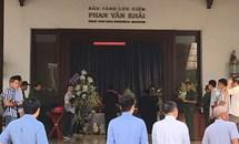 Xúc động người dân đến viếng nguyên Thủ tướng Phan Văn Khải tại tư gia