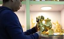 Thị trường giáp Tết Kỷ Hợi 2019: Cơn sốt quà tặng Tết độc, lạ mạ vàng 24K