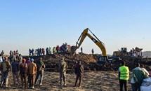 Hiện trường thảm khốc vụ rơi máy bay Ethiopia làm 157 người thiệt mạng