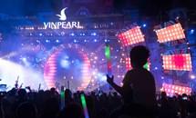 """Show """"Lửa mùa hè - Boney M"""" tại Vinpearl Nha Trang: Hóa ra bố tôi đã từng """"quẩy"""" như thế"""