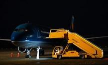 """Đón chuyến bay """"giải cứu"""" và những đóng góp thầm lặng của sân bay Vân Đồn"""