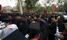 Sinh viên nước ngoài tại Mỹ có thể phải về nước nếu học trực tuyến hoàn toàn