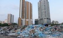 Như một bãi rác, Hà Nội không vội không được nữa rồi