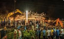 Sập nhà năm tầng tại Ấn Độ, khoảng 80 người mắc kẹt