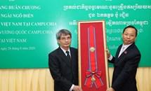 Truy tặng Huân chương cho cố Đại sứ Việt Nam tại Campuchia Ngô Điền