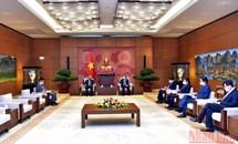 Chủ tịch Quốc hội Vương Đình Huệ tiếp Điều phối viên thường trú của LHQ tại Việt Nam