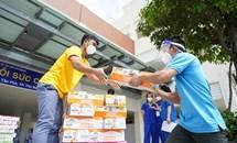 Vinamilk ủng hộ sản phẩm và thiết bị y tế trị giá 5 tỷ đồng cho các trung tâm hồi sức tích cực và bệnh viện tuyến đầu