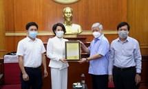 Mặt trận Trung ương tiếp nhận thiết bị y tế hỗ trợ công tác phòng, chống dịch