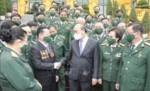 Chủ tịch nước Nguyễn Xuân Phúc gặp mặt Đoàn đại biểu doanh nhân là cựu chiến binh