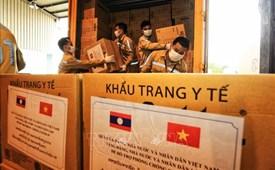 Ấm áp quan hệ đặc biệt Việt Nam - Lào trong cuộc chiến chống đại dịch COVID-19