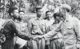 Nguyễn Ái Quốc - Hồ Chí Minh và duyên nợ báo chí
